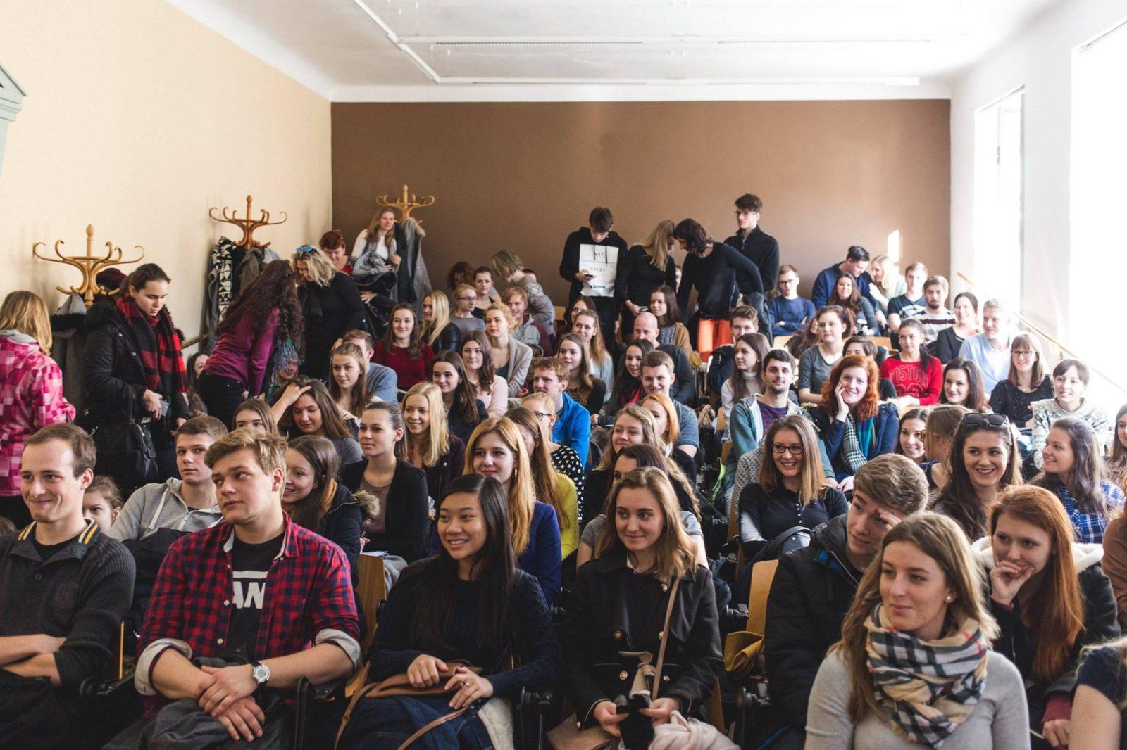 Карлов университет в Праге, поступление
